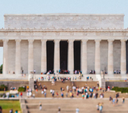 People outside United States Lincoln Memorial