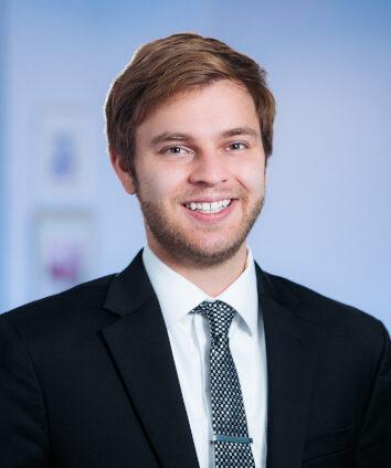 Member attorney biography headshot for Nicholas Gunther
